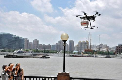 Закон о квадрокоптерах запрещает полеты в общественных местах