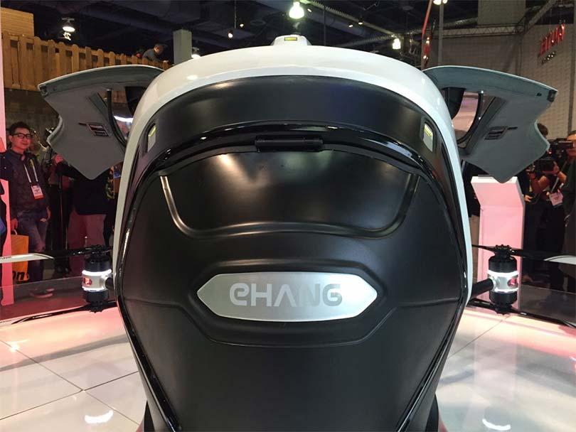 Квадрокоптер-такси EHang удивил людей на выставке в Вегасе