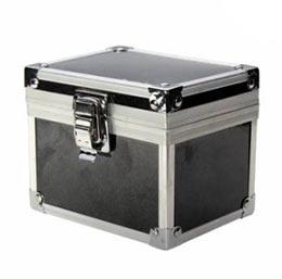 Подарочная коробка для квадрокоптера Чирсон очень напоминает стальной сундучок