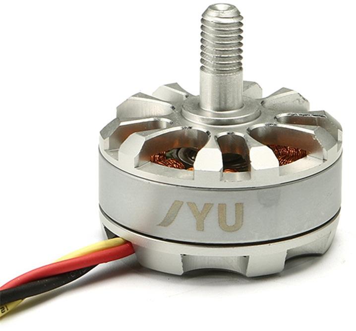 Один из наиболее мощных электродвигателей в модели JYU Hornet S Racing
