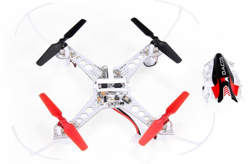 Сверху на XK X100 With 3D можно видеть множественную качественную пайку